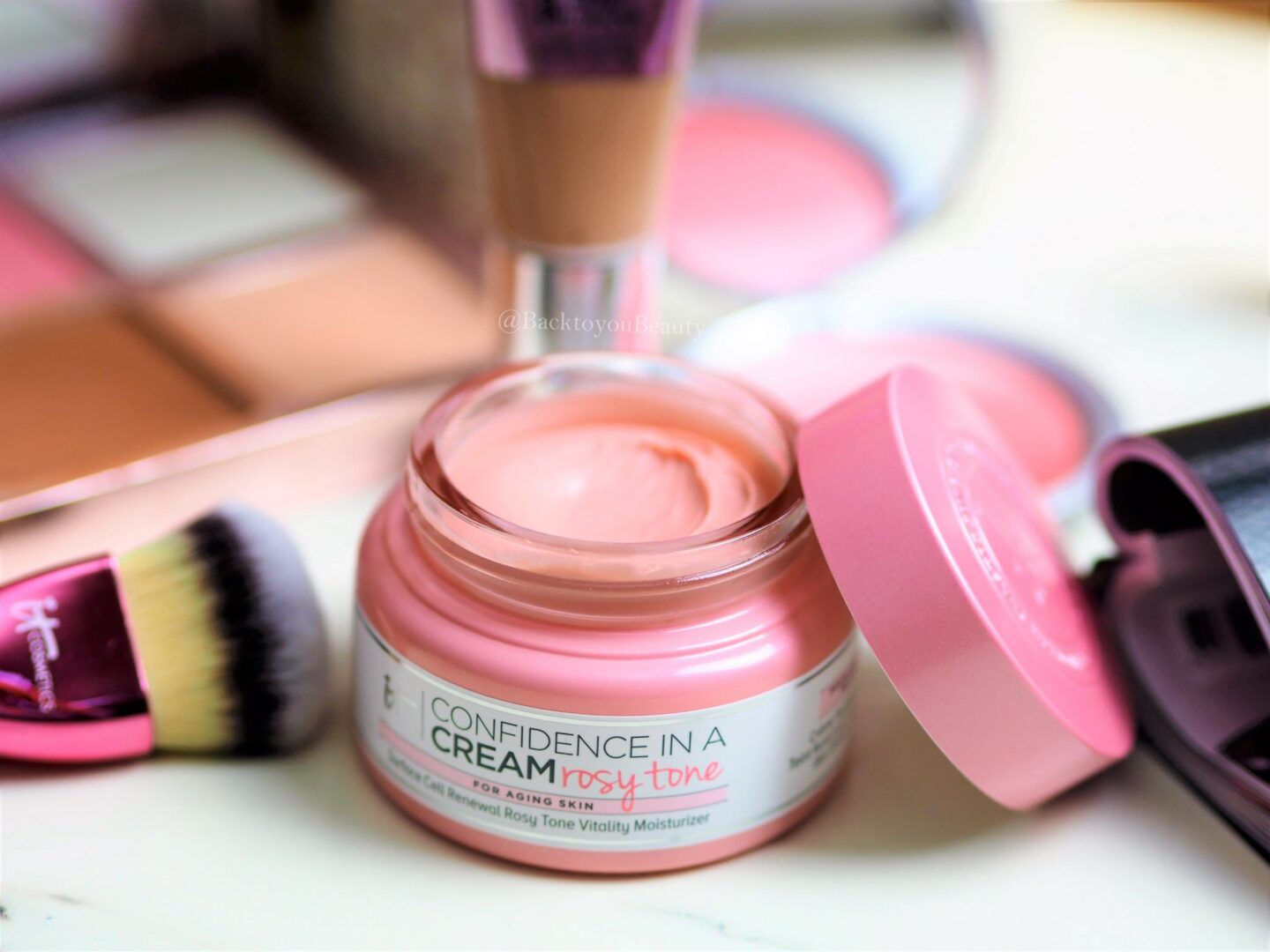 It Cosmetics confidence in a rosy tone
