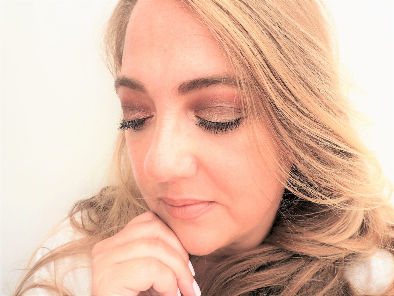 wearing Charlotte tilbury Starry eyes palette