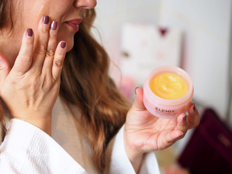 Applying Elemis Pro-Collagen Rose Cleansing Balm 50g