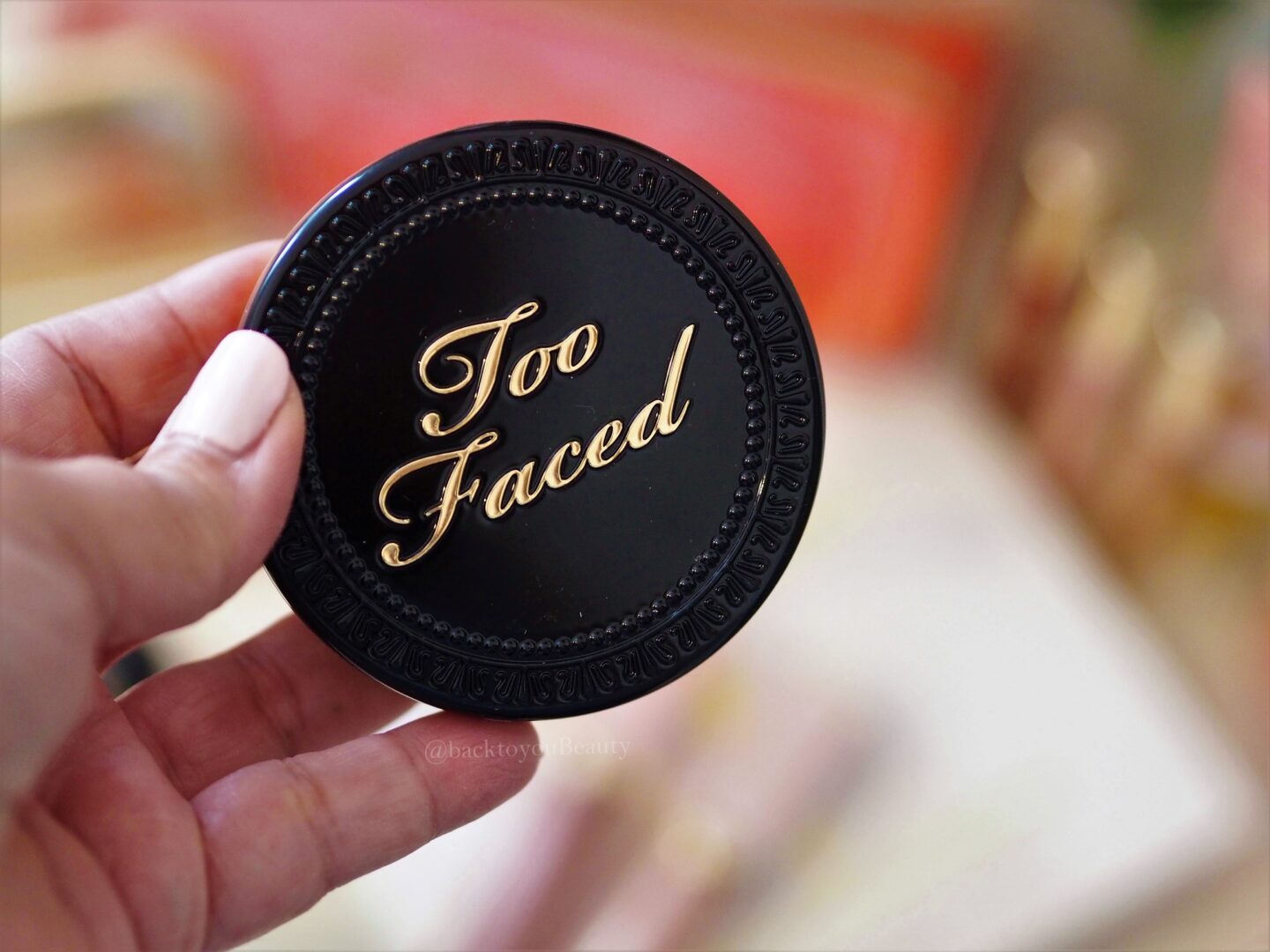 Too Faced Born this way Multi Use Complexion Powder