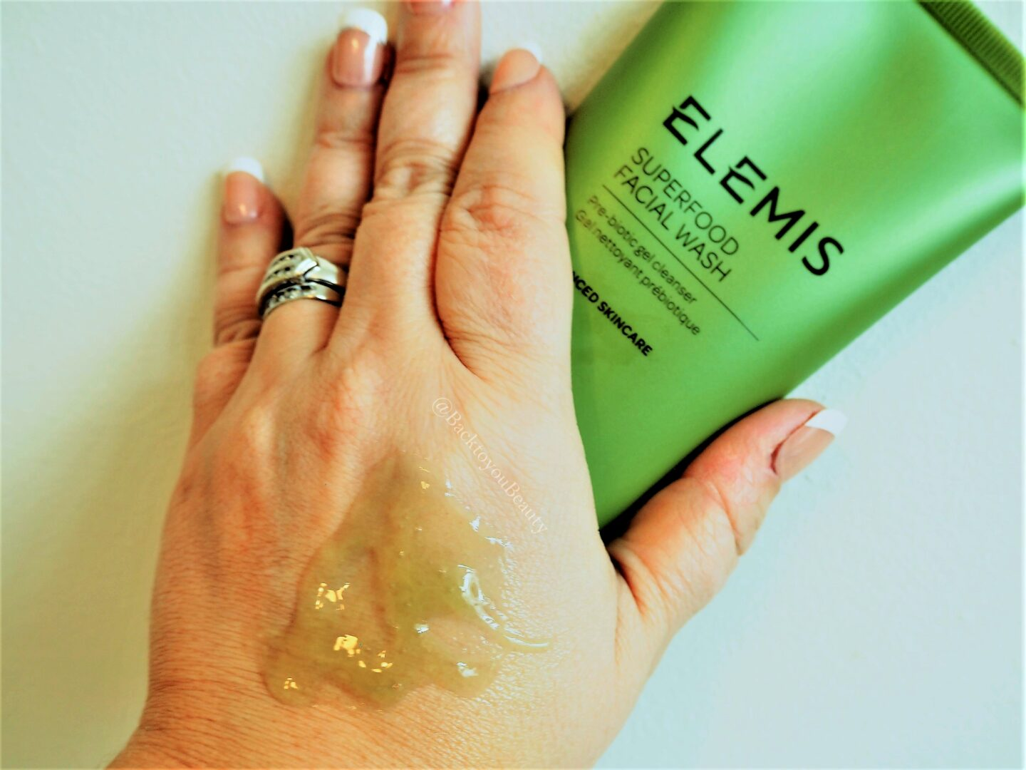elemis superfood facial wash swatch