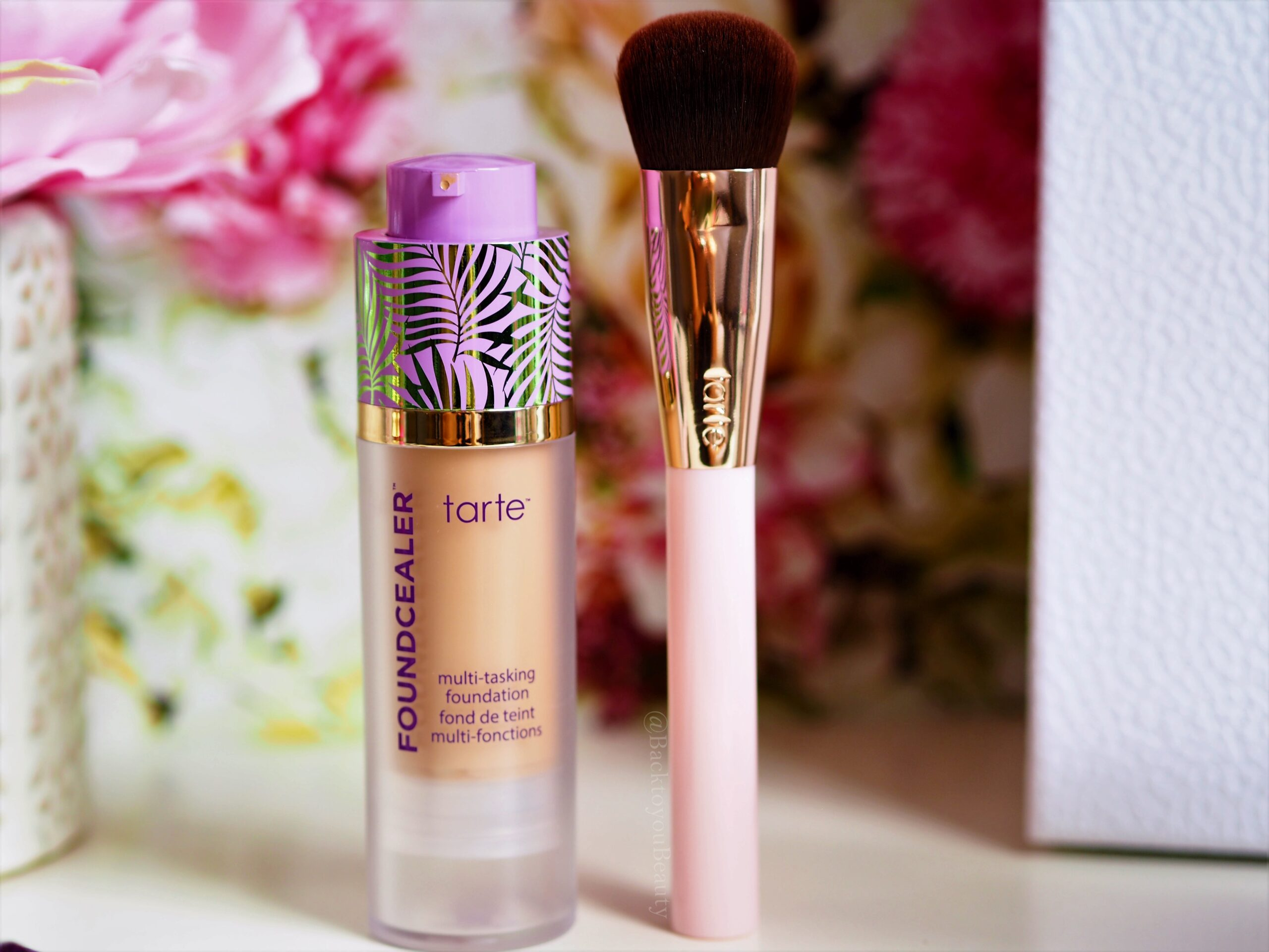 Tarte Foundcealer Foundation and brush