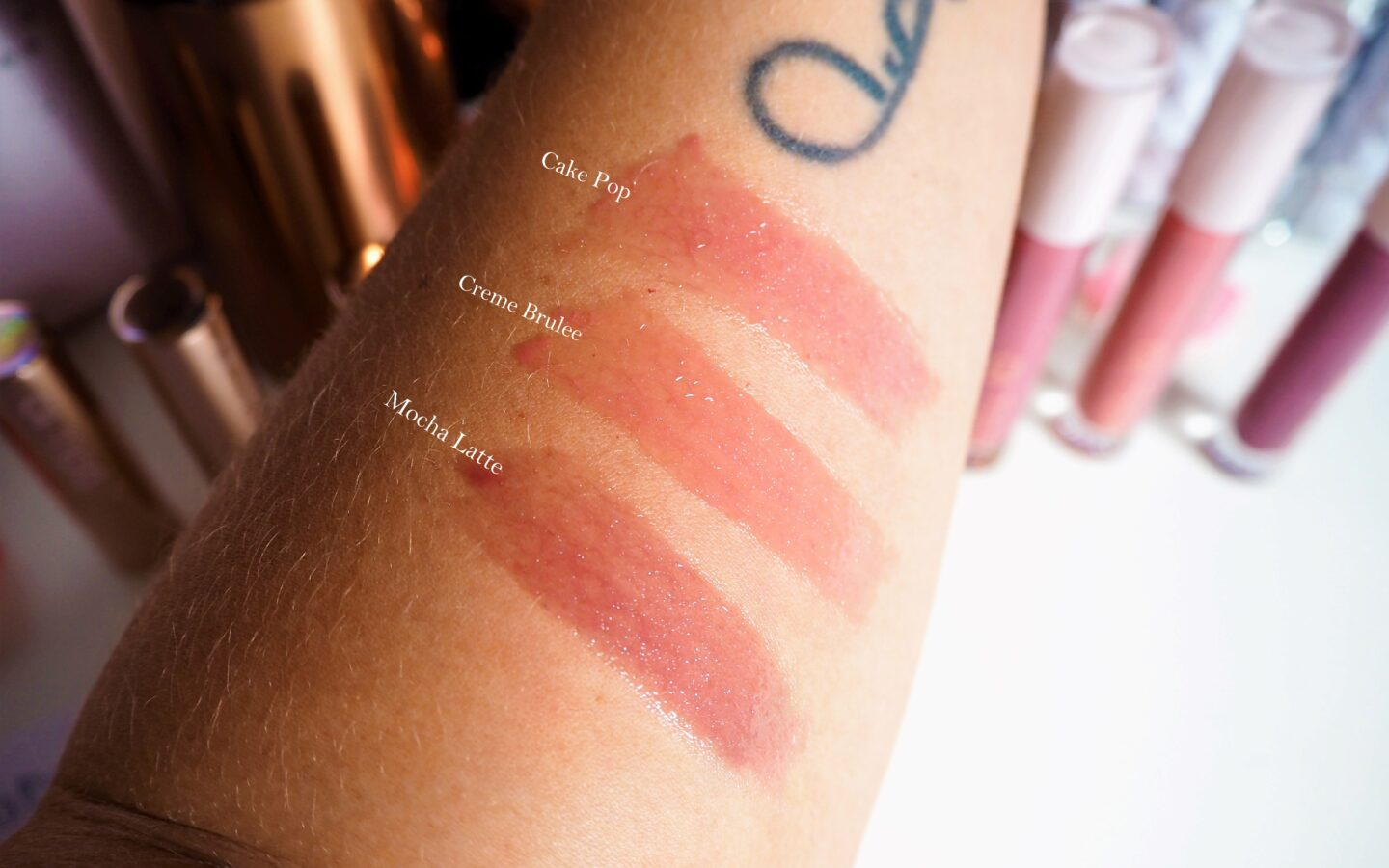 Doll 10 Lip Lustre lipgloss swatches