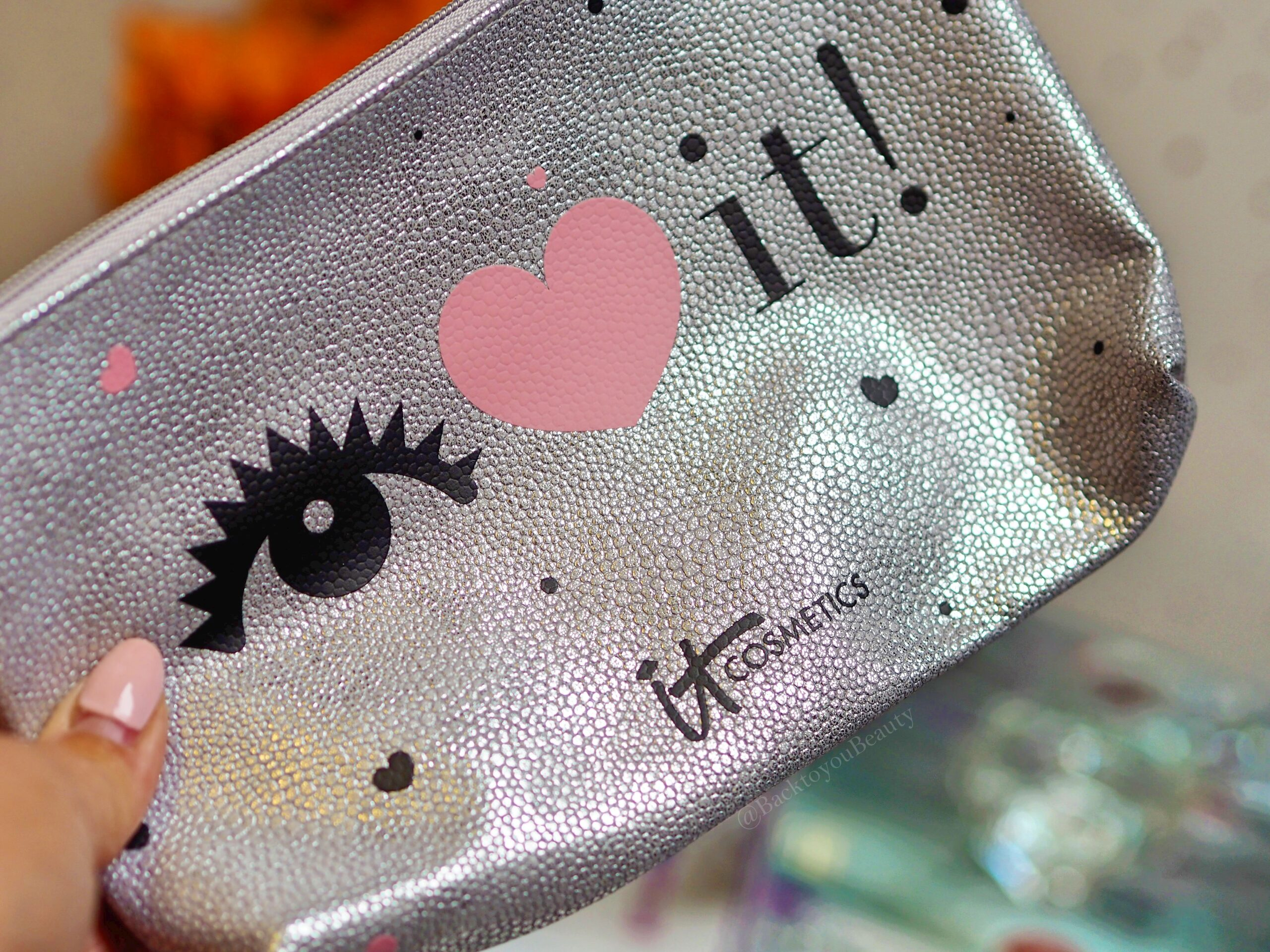 It Cosmetics Cosmetics Bag