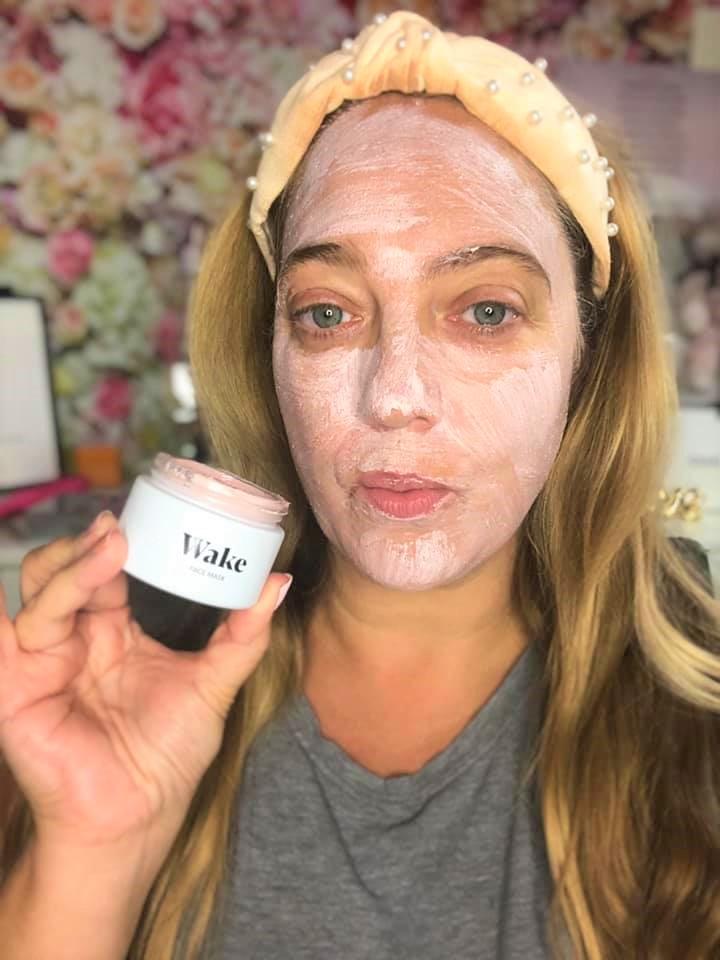 wearing wake face mask